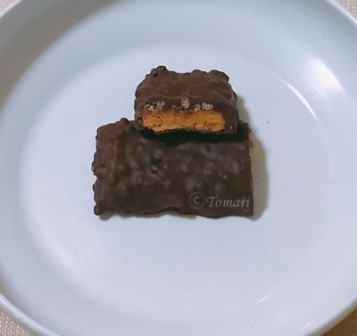 アイハーブ(iHerb)マッスルファーム(MusclePharm) コンバットクランチバーチョコレートチップクッキー生地味断面