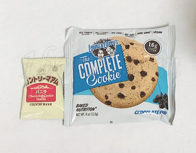 Lenny&Larrys The COMPLETE Cookieとカントリーマアムのサイズ比較